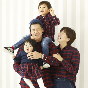 family_190527_3